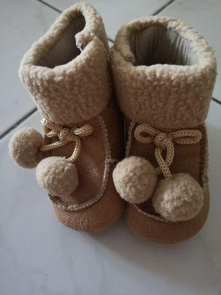 🚚 Mothercare Baby Girl Winter Shoes 9M - 12M