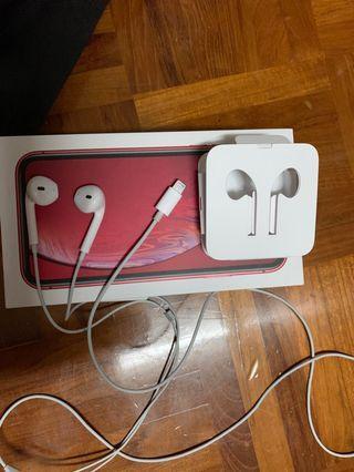 Apple earpod with lightning connector