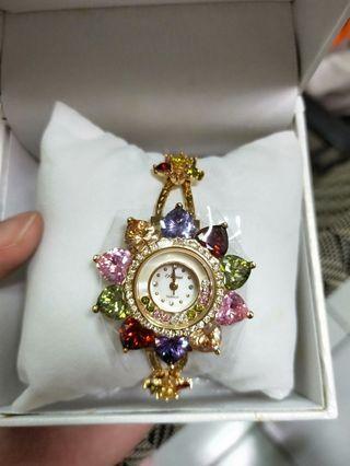 🚚 花朵水鑽錶