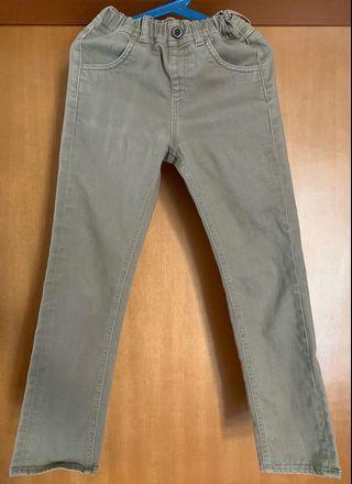 🚚 UNIQLO pants