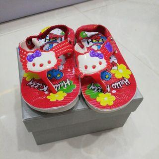 Sendal Bunyi Hello Kitty