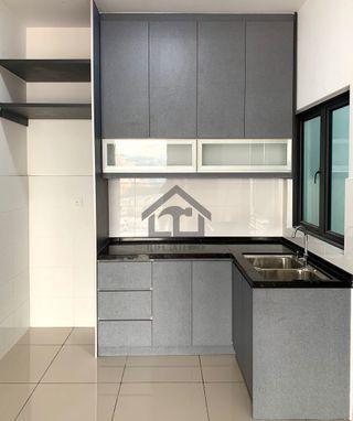 Kitchen Cabinet full built in