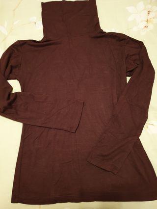 Tutle neck dark brown t-shirt