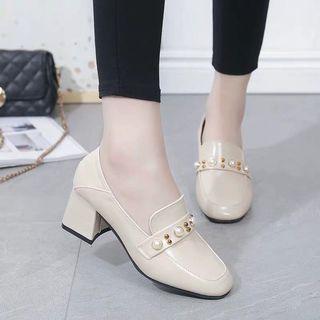 珍珠設計斯文上班鞋款 粗跟