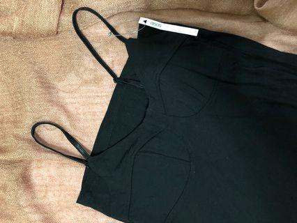 貼身吊帶黑色連身裙