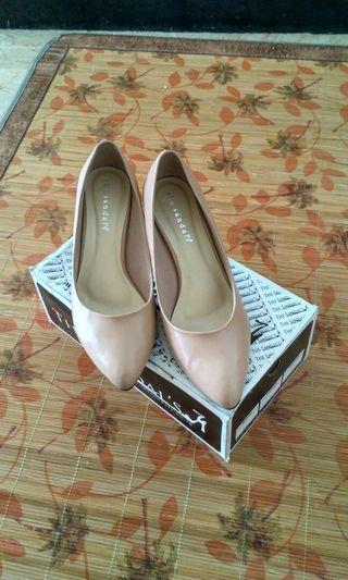 The Sandals Mocca Heels