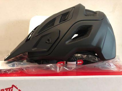 Leatt DBX 3.0 Helmet 2018