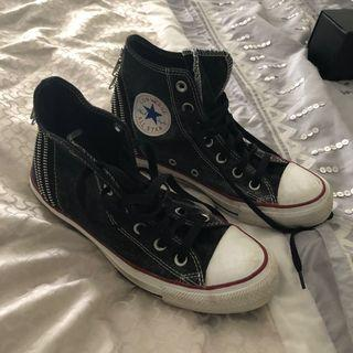 Unisex Converse High Tops Excellent Condition Size 7