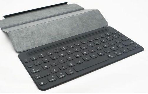 """Ipad 9.7"""" Keyboard (authentic)"""