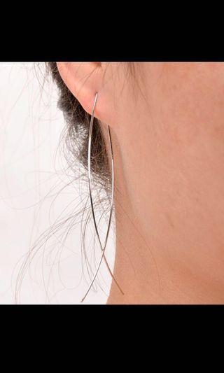 🚚 Bnip Korean minimalistic fish earrings