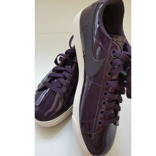 NIKE Purple BLAZER LOW.