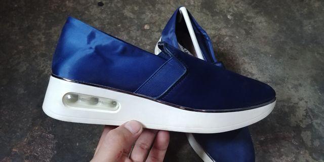 Karl Lagerfeld platform satin slip on sneakers