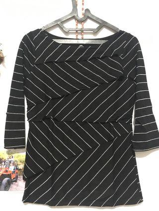 Metaphor black stripe shirt