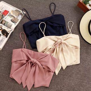 Po: ribbon crop top