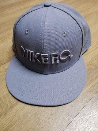 Nike 帽