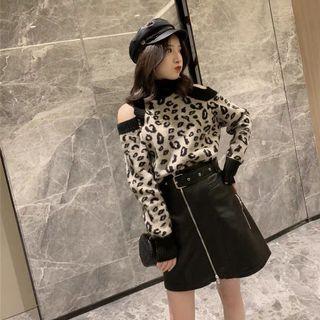 🚚 韓版性感豹紋露肩上衣毛衣針織