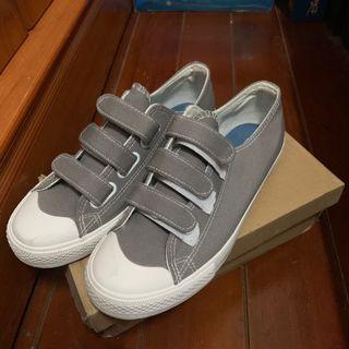 🚚 帆布鞋 開口笑 魔鬼氈 灰色