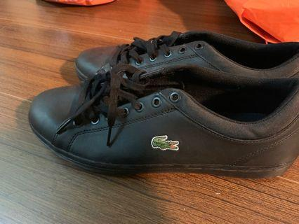 🚚 Lacoste 休閒鞋