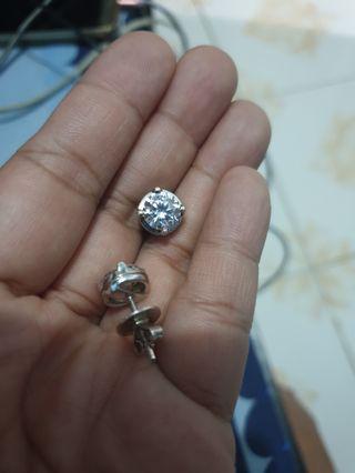 3 KARAT SIGNITY DIAMOND EARRINGS