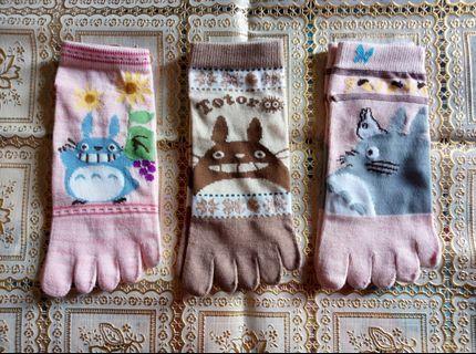 🚚 🆕龍貓圖案五指襪👣