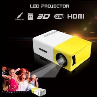 🚚 Portable Projector LED