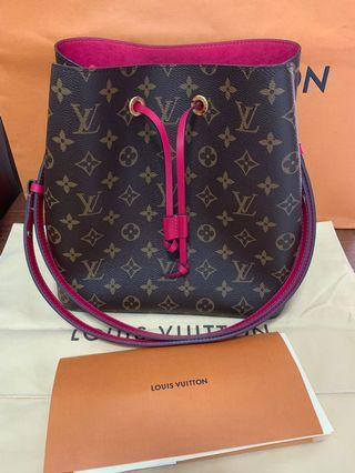 Trade with pochette Metis Reverse, Chanel or hermes