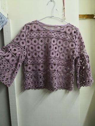 🚚 洞洞和葉袖紫色上衣
