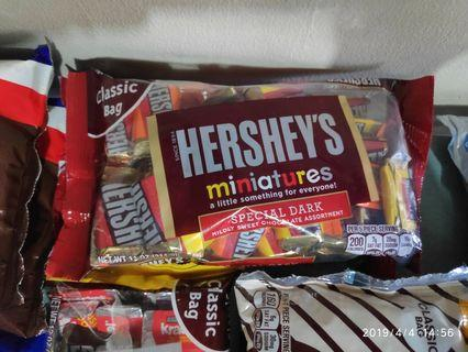 Hershey's Miniatures Special Dark Assortment 311 grams