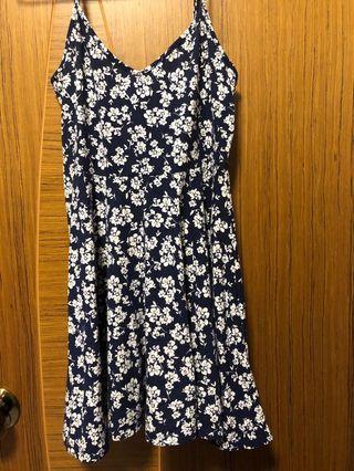 超靚深藍碎花 F21 低胸V領性感吊帶裙