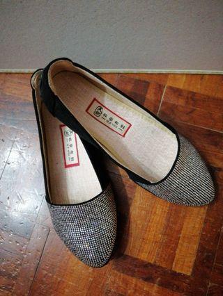 防跣休閒平底鞋