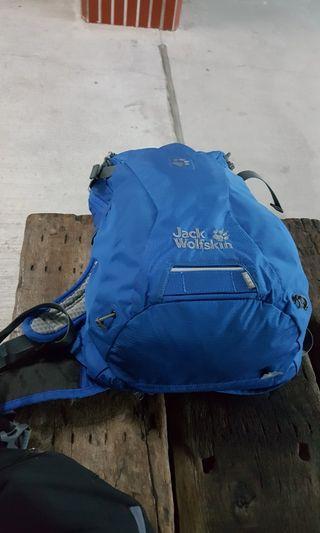 🚚 飛狼jack wolfskin 18L登山包付防水袋