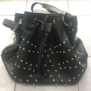 SALE 🎉 Bucket Bag Pull & Bear