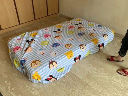 🚚 Super single mattress by Brussels