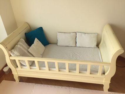 Toddler bed 兒童床 德國