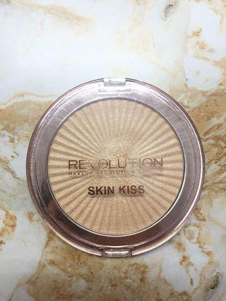 Revolution highlighter skin kiss