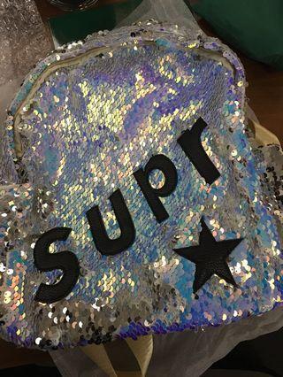 🚚 7) Girls bag