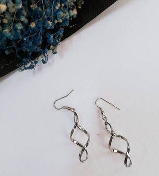 Classic Earring (NEW)