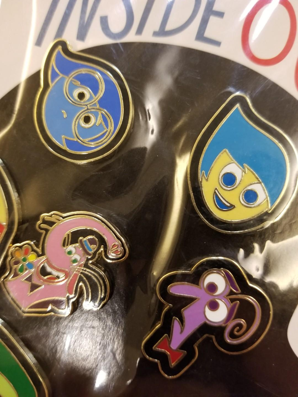 迪士尼徽章玩轉腦朋友襟章disney pin