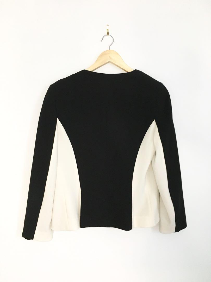 ARITZIA women's 2 tone lightweight jacket 8