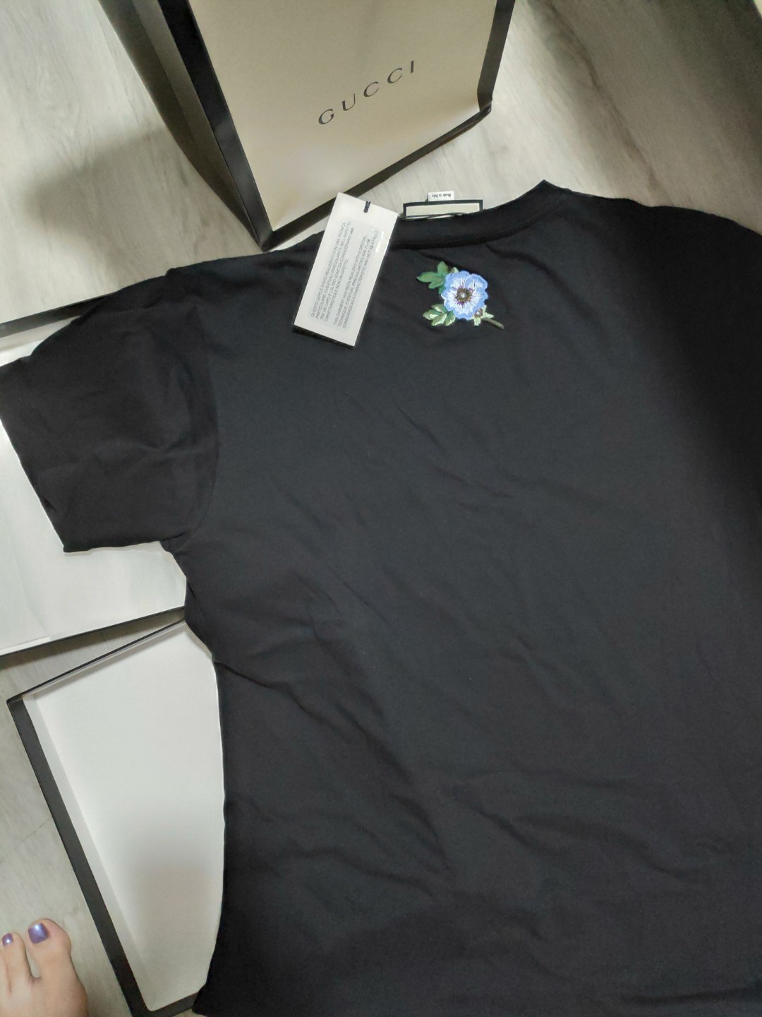 8728ac040e9 Brand new GUCCI ladies Oversize tshirt with Gucci logo black (XS size)