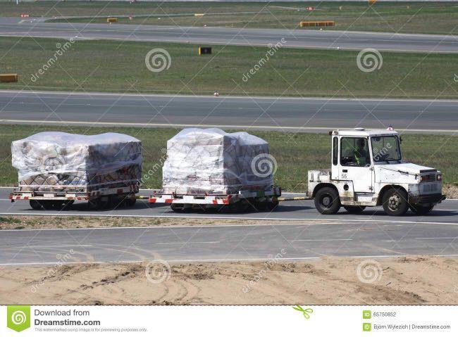 Cargo Tractor Drivers (class3) at cargo complex