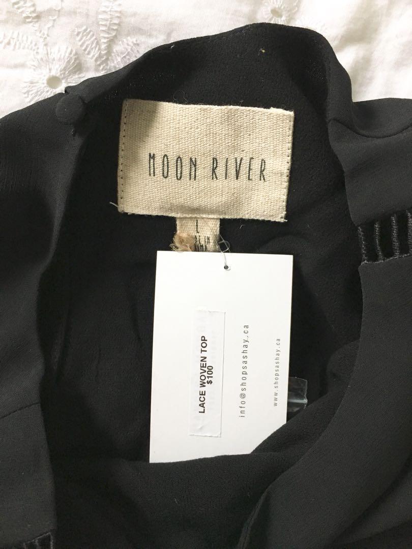 MOON RIVER black lace long sleeve NWT