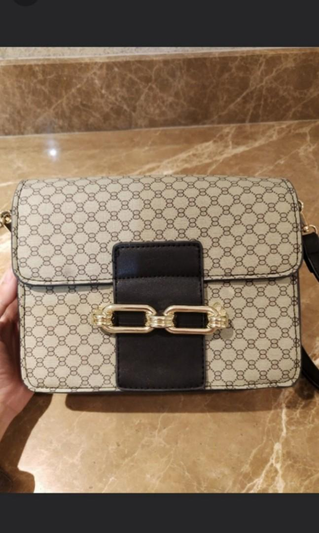 6055941c8746 Parisian Gucci Inspired Sling Bag on Carousell