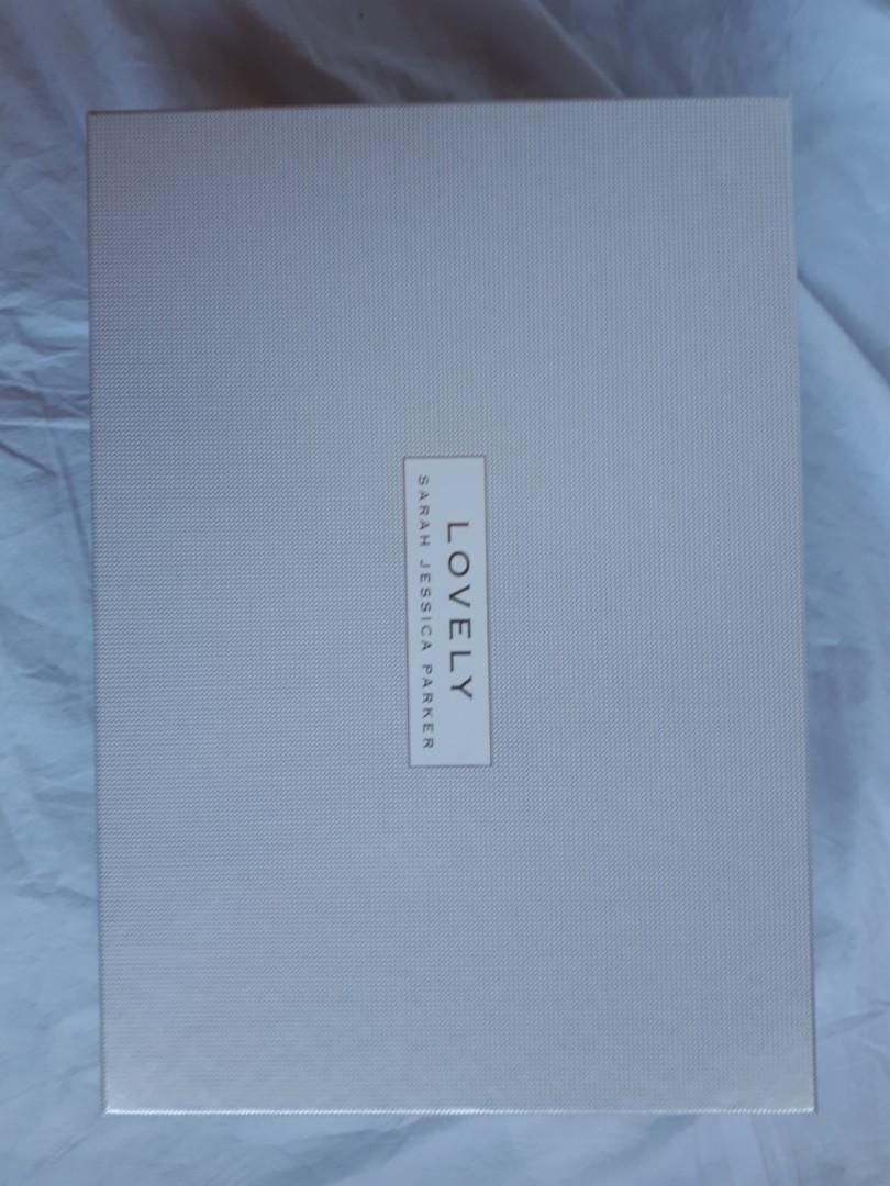 Sarah Jessica Parker: Lovely perfume set