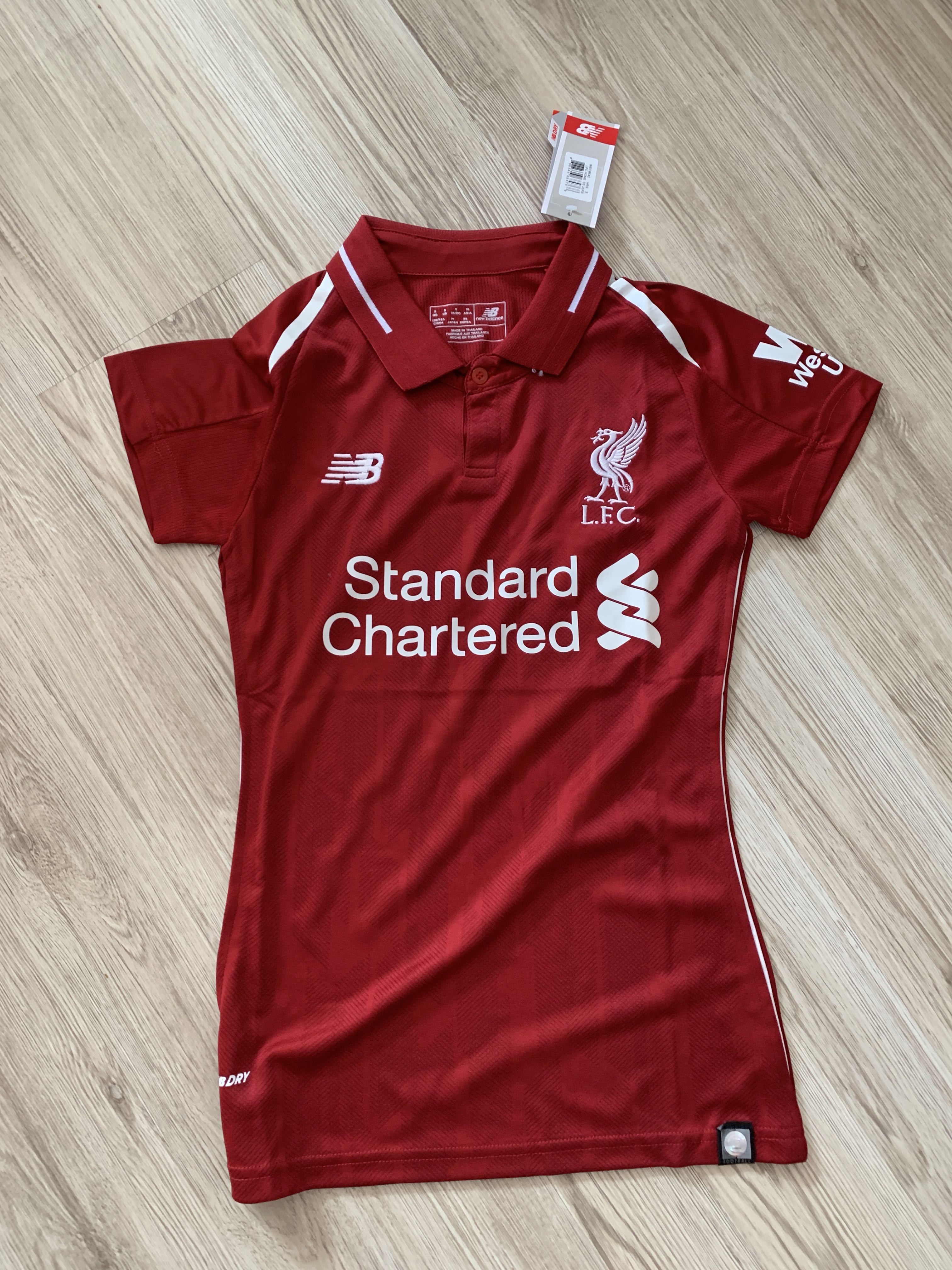 5adc01d6daf Women s Liverpool jersey women Liverpool home kit jersey 18 19 ...