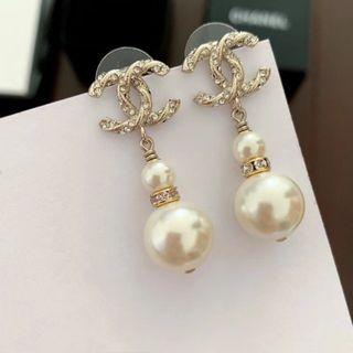 Chanel雙C雙珍珠水滴耳環
