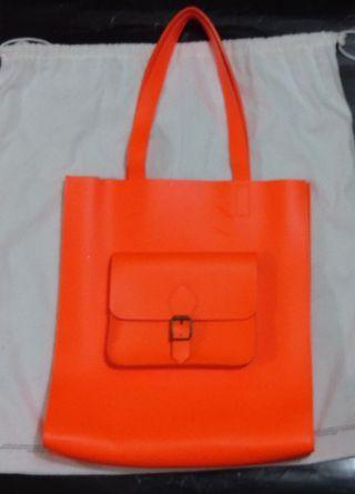 英國名牌jas mb副線 j by jas mb螢光橙色可放A4 挺身tote bags