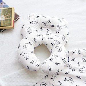 🚚 9.99成新 二手[現貨]正韓 conitale 嬰兒護頸枕固定枕嬰兒枕 白底手繪鴨鴨