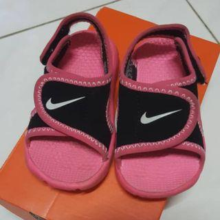 Nike Sunray Adjust (sandles 4 toddler)