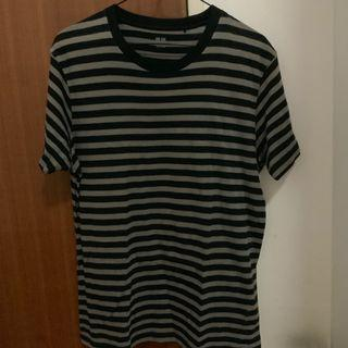 🚚 Uniqlo Black and Grey Striped Tshirt (M)
